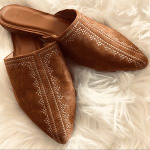 Joie Adia Slides Flats in Whiskey with Stitching